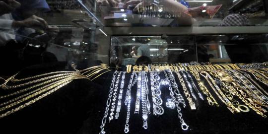 Ketidakpastian harga emas rugikan penjual