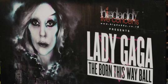 Lady Gaga: Hati saya hancur batal konser di Jakarta