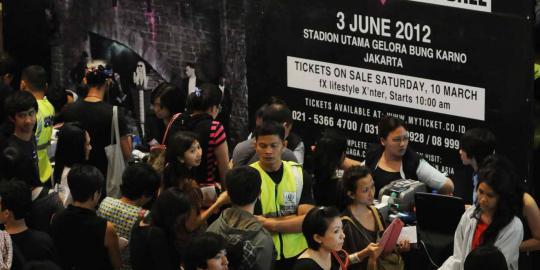 Polisi kawal pengembalian uang tiket Lady Gaga