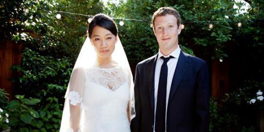 Zuckerberg dikecam karena tidak menikahi wanita yahudi